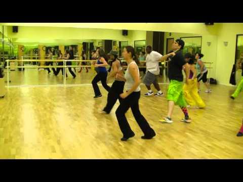 Don Omar  Danza Kuduro ft Lucenzo  Zumba Fitness w Bradley