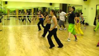 Don Omar - Danza Kuduro ft. Lucenzo - Zumba Fitness w/ Bradley