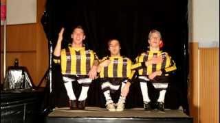 Repeat youtube video super amazing midget dance