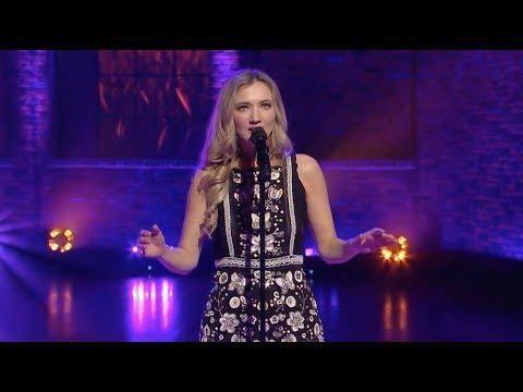 "Sarah Darling Performs ""Where Cowboys Ride"" | Huckabee"
