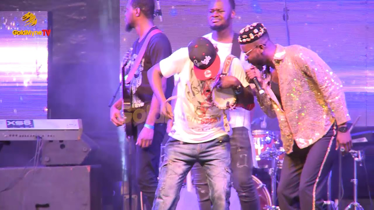 Download ADEKUNLE GOLD'S PERFORMANCE AT 100% LIVE WITH PEPSI