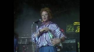 Simply Red - Holding Back The Years Live... @ www.OfficialVideos.Net