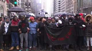 Chicago Protesters Shut Black Friday Down For Laquan McDonald
