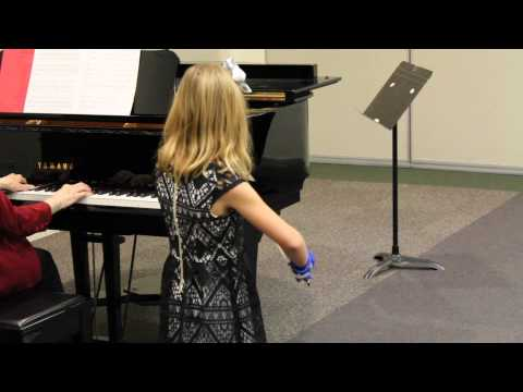 7 year old violin student of Anna Rose playing Perpetual Motion after 3 months of violin lessons.