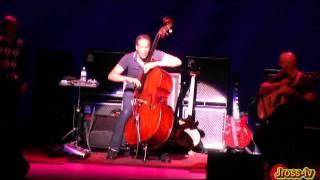 Play Bass Folk Song (Live)