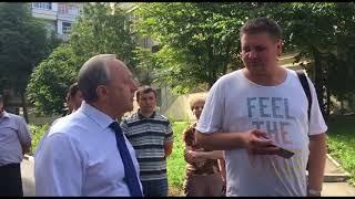 "Валерий Радаев спросил журналиста о выплатах клиентам ""Саратовских авиалиний"""
