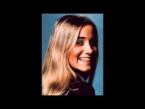 Maureen McCormick (Marcia Brady) - Truckin' Back To You