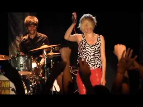 "Yeah Yeah Yeahs ""Date with the Night"" Live at Summerfest Milwaukee, WI 06/26/2013 Encore"