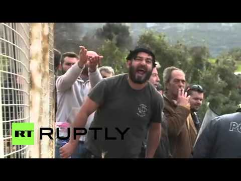 Greece: Tensions flare during protest against refugee screening centre in Kos