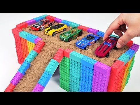 LEARN COLORS IN ENGLISH AND MAKE A RAINBOW GARAGE OUT OF KINETIC SAND! ㅣ