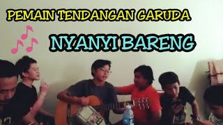 Download lagu Pemain Tendangan Garuda Nyanyi Bareng MP3