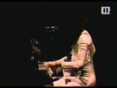 Queen at Hammersmith Odeon Live Concert (1975).avi