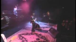 Belinda Carlisle   Leave A Light On  Heaven Is A Place On Earth (Live)