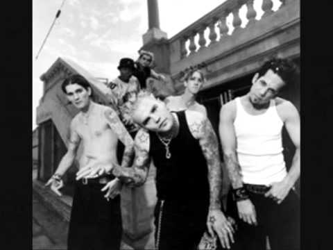 crazy town black cloud vid..wmv