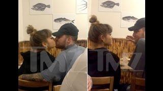 Ariana Grande Kiss Mac Miller in...