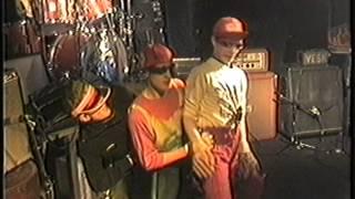 Frau Suurbier feat. Die kleinen Suurbiers - Party-Killer (live 1984)
