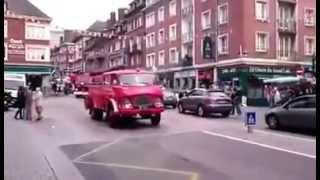 Parade d'anciens véhicules de sapeurs-pompiers à Lisieux