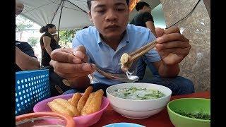 Quán phở gà gia truyền bán 70 năm ở Hà Nội