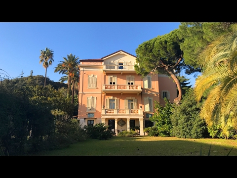 Villa a Finale Ligure sul mare foto riva
