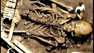 Найдены скелеты людей великанов(Найдены скелеты людей - гигантов, живших до великого потопа, упомянутого в Библии., 2011-05-22T20:02:30.000Z)