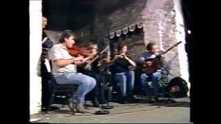 Irish traditional music : Altan [ with Frankie Kennedy ] play a medley