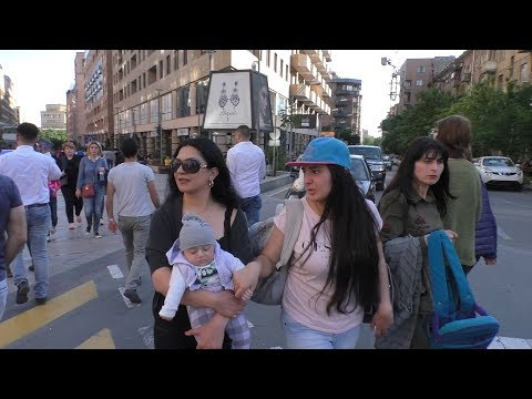 Yerevan, 01.05.18, Tu, Video-1, Havatov spasum enk.