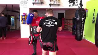 Gambar cover Muay Thai pads with Danny Parker and Nikolas Kwnstantinou