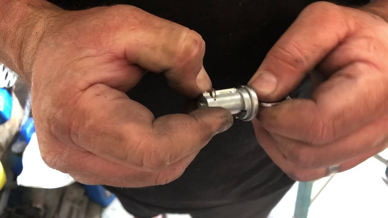 Replacing 1965 1966 Mustang Trunk Lock Cylinder