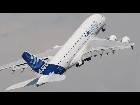 AMAZING Airbus A380 near VERTICAL Take-off - Paris Air Show 2015