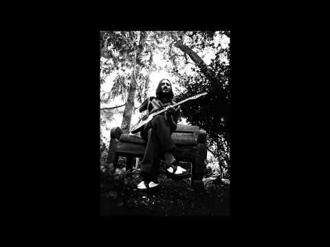 John Frusciante singing She looks to me