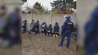 """Proteste der """"Gelbwesten"""": Polizei in Frankreich lässt Schüler für Verhaftung niederknien"""