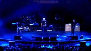The Offspring - Gone Away @ KROQ Weenie Roast y Fiesta (2012/05/05 Irvine, CA)