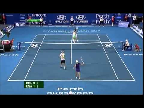 Isner serving Henin - 2011 Hopman Cup Final - Belgium vs USA Mixed Doubles