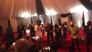 President Obama Shows off his Lipala Moves at State House , Nairobi