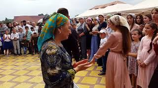 Чеченская свадьба Чеченская песня  Ловзар  в Грозном Алханюрт 2018 Заур Абакаров
