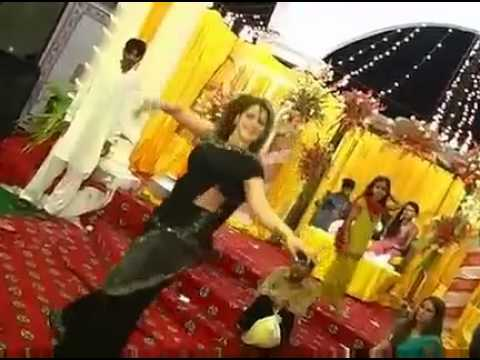 Mehndi Dance Karachi 2 (By Raja Maroof) .mp4 - Copy.m4v