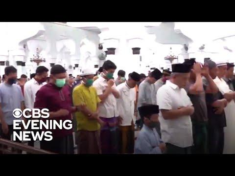 Muslims celebrate Ramadan amid coronavirus restrictions