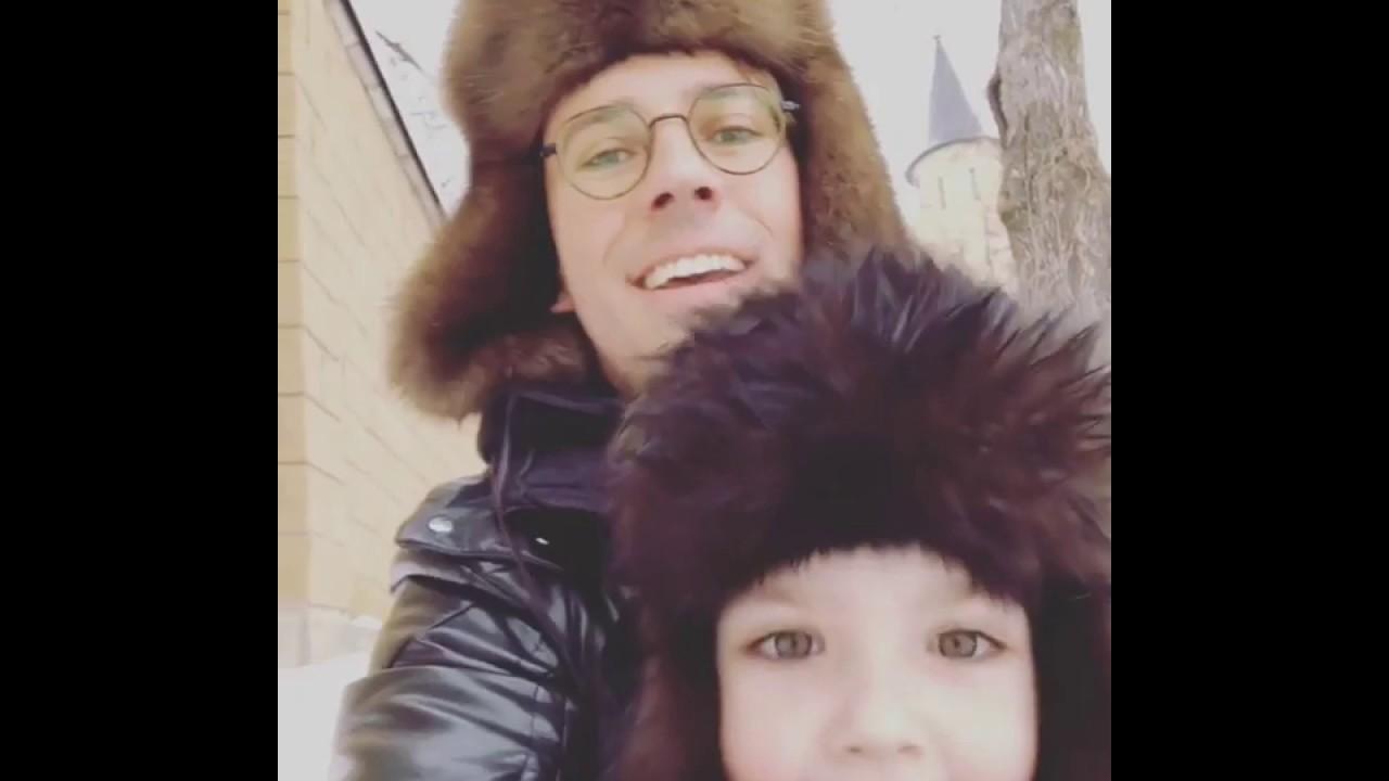 Максим Галкин и Гарри катаются на крутых горках БобШнель