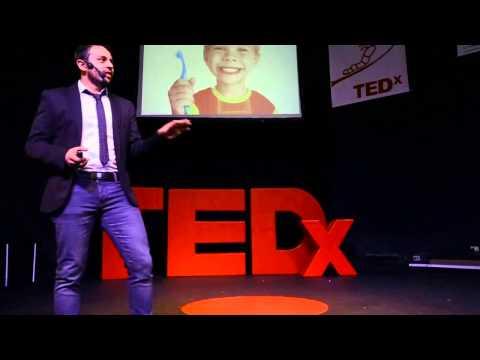 El ADN de los innovadores: Julian Melo en TEDxYouth@CSC