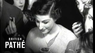 Selected Originals - Thousands See Moira Shearer's 'quiet' Wedding (1950)