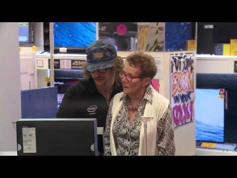 Ashton Kutcher's Hidden Camera Prank in Australia!