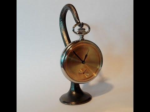 Pocket watch stand / Taskukelloteline