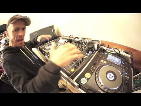DJ LESSON ON CHANGING THE VIBE HALF WAY THROUGH A MIX