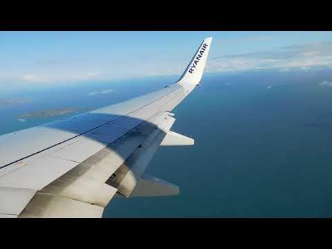 Ryanair Boeing 737-800 landing in Dublin runway 28