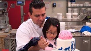 Лия вместе с Бадди делает торт для врачей - Король кондитеров: 9 сезон