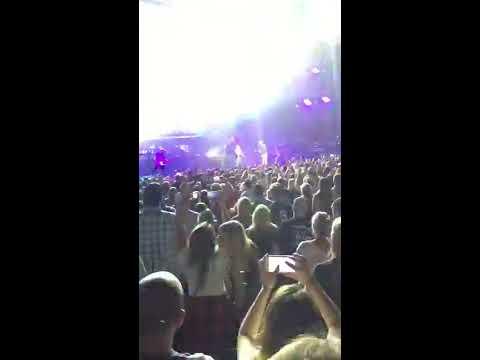 Dierks Bentley & Cole Swindell~ Flatliner (Live)