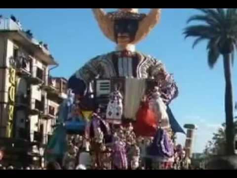 Il carnevale pi bello del mondo 1 corso a viareggio youtube - I mobili piu belli del mondo ...