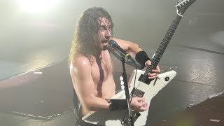 Airbourne -  Ready to rock / I'm going to hell for this - Live Paris 2017