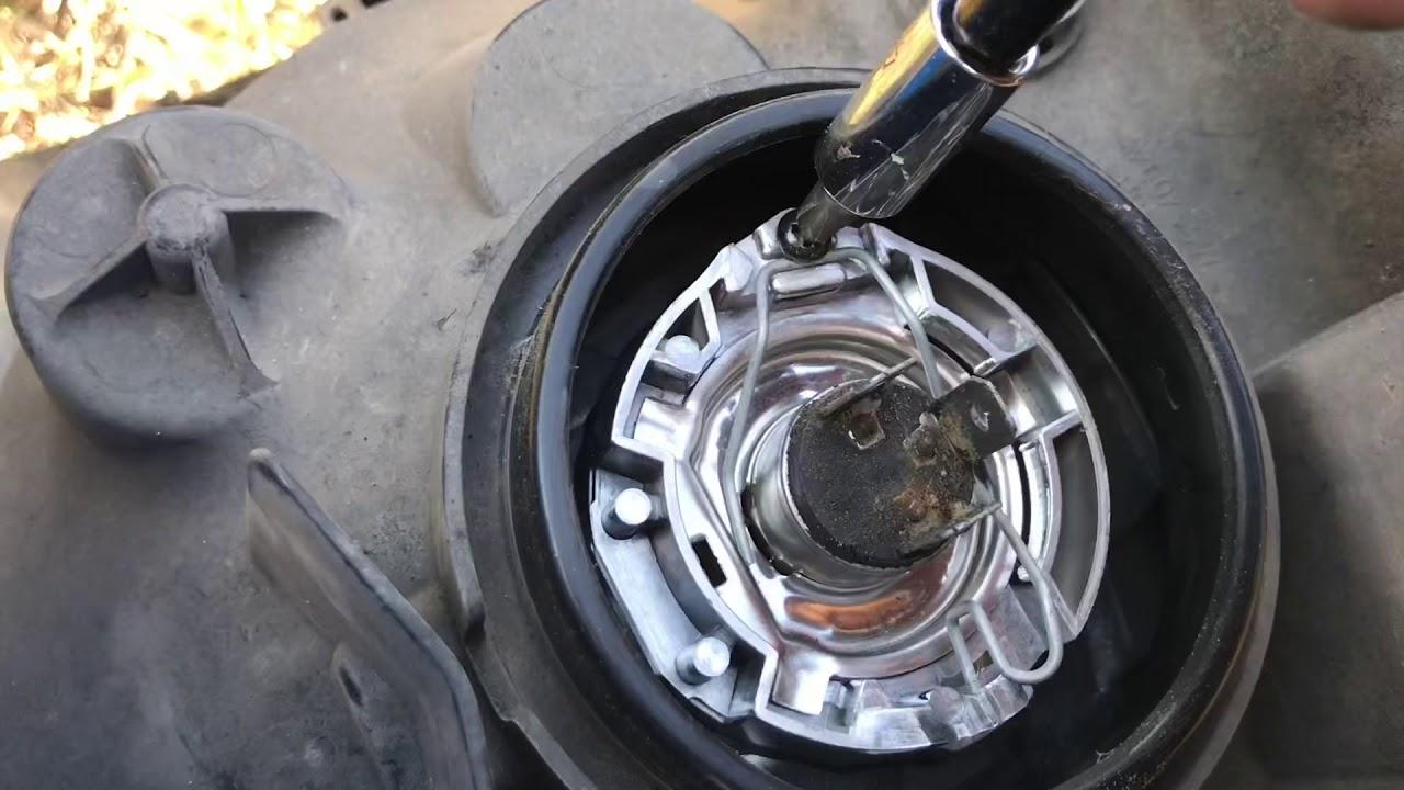07 08 Honda Fit Headlight Bulb Replacement