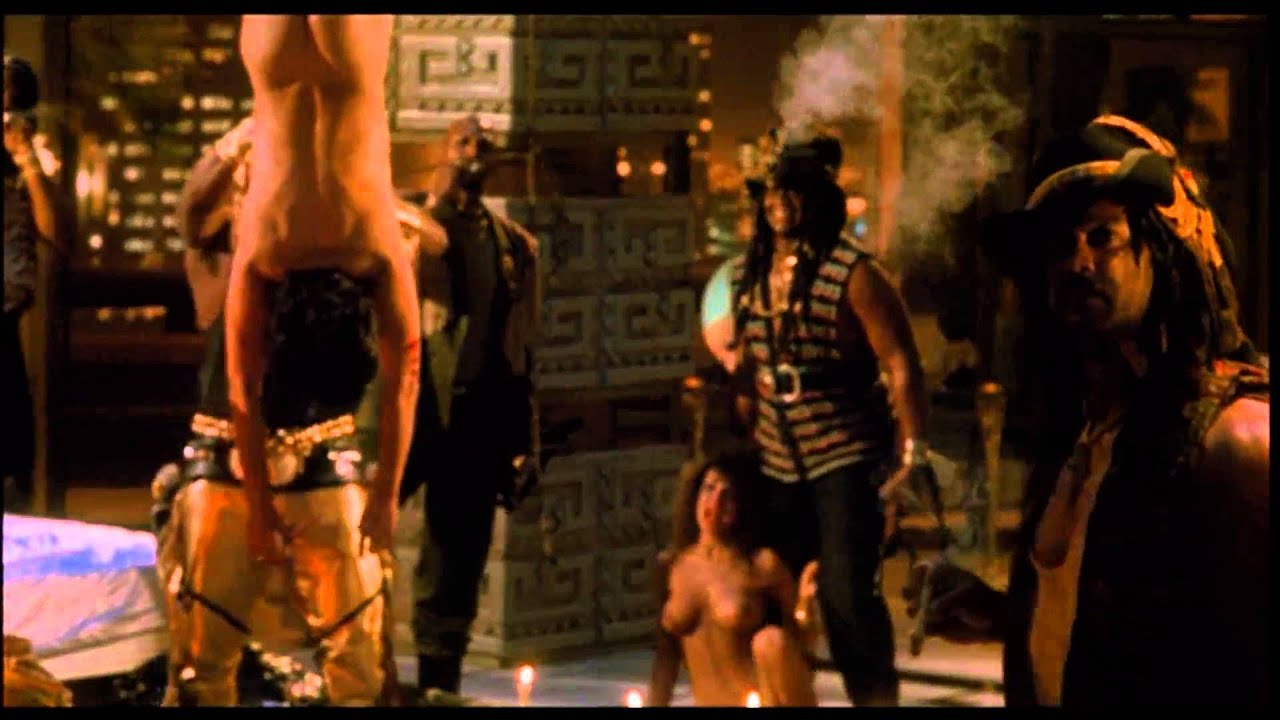 Sex scene from the predator2